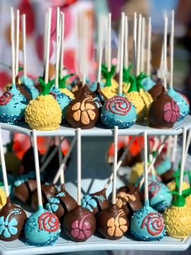 MOANA THEMED CAKE BALLS